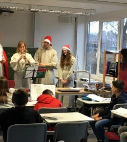 Der Nikolaus macht Halt an der Martini-Schule!